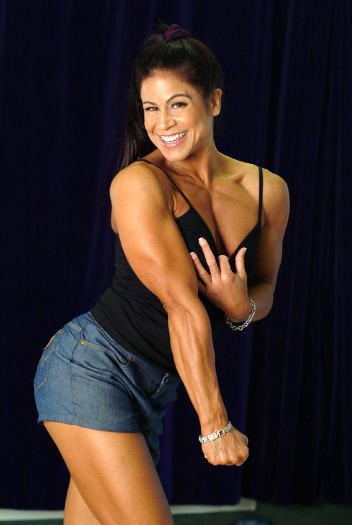 Tara Marie posing tricepts